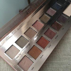 It Cosmetics Makeup - it Cosmetics Naturally Pretty Eyeshadow Palette